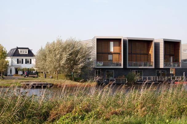 Waterwoningen Nesselande / Water Dwellings Nesselande ( J. Vos )