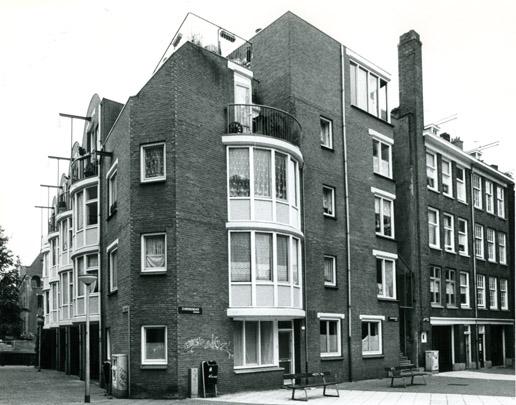 Woningbouw Moddermolenstraat / Housing Moddermolenstraat ( Van Eyck & Bosch )