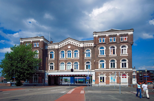 Poortgebouw Stieltjesstraat  / Gateway Building Stieltjesstraat  ( J.S.C. van der Wall )