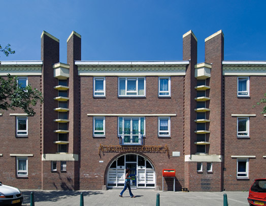 Mathenesserhof / Mathenesserhof ( J.H. de Roos, W.F. Overeijnder )
