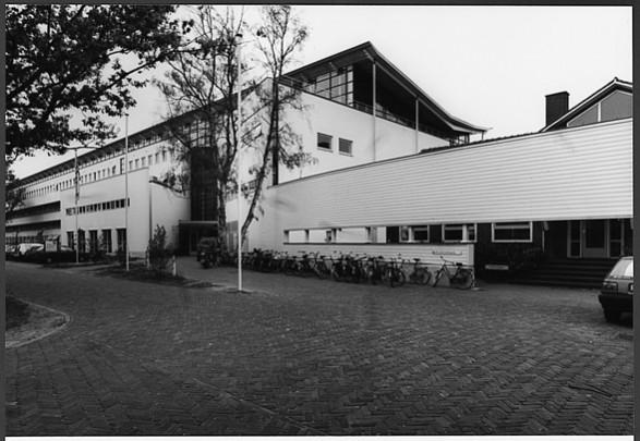 Dienst Landbouwkundig Onderzoek Landbouwuniversiteit / Department for Agricultural Research Agricultural University ( H.J.M. Ruijssenaars (LRRH) )