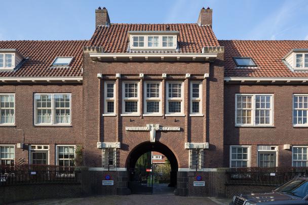 Hofje Wilhelminastichting / Hofje Wilhelminastichting ( B. van Bilderbeek, H.A. Reus )