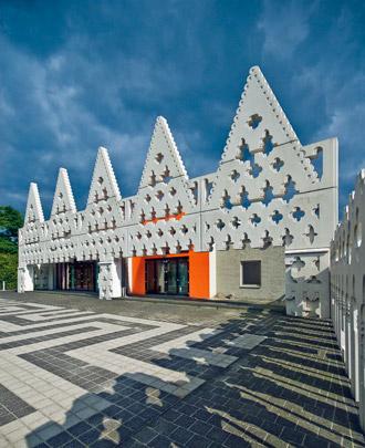 Kunstacademie Sint-Lucas / Sint Lucas Art Academy ( FAT Architecture )