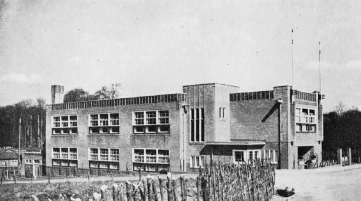 Creutzbergschool / Creutzbergschool ( H.B. van Broekhuizen (Gemeentewerken Arnhem) )