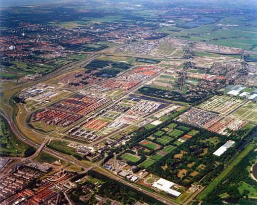 Stedenbouwkundig plan Ypenburg / Urban Design Ypenburg ( F.J. Palmboom i.s.m. diverse stedenbouwkundigen )