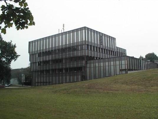 Universiteitsgebouw De Cascade / University Building Cascade ( R.H.M. Uytenhaak )