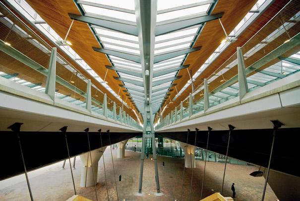 Station Amsterdam Bijlmer Arena / Station Amsterdam Bijlmer Arena ( N. Grimshaw, Arcadis )