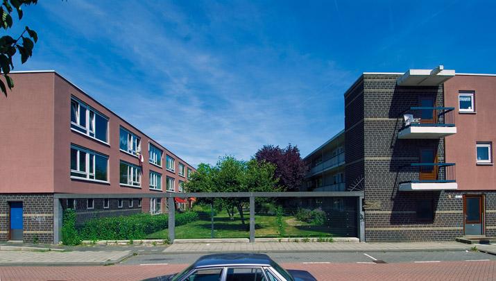 Woningbouw Kleinpolder-Oost / Housing Kleinpolder-Oost ( L.J. Linssen (Dienst Volkshuisvesting Rotterdam) )