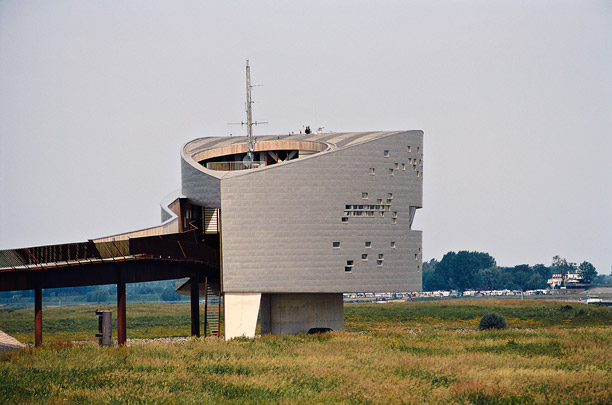 Verkeerspost Rijkswaterstaat / Traffic Control Post Rijkswaterstaat ( Karelse Van der Meer )
