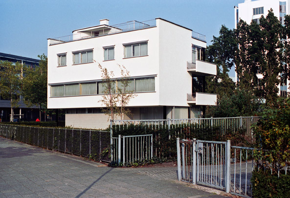 Woonhuis Sonneveld / Private House Sonneveld ( Brinkman & Van der Vlugt ) 