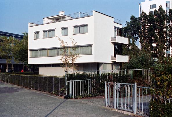 Woonhuis Sonneveld / Private House Sonneveld ( Brinkman & Van der Vlugt )