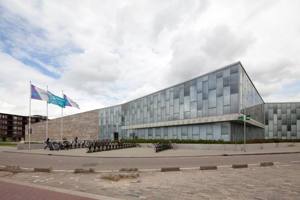 Bijlmer Sportcentrum / Bijlmer Sport Centre ( V.D. Yanovshtchinsky )