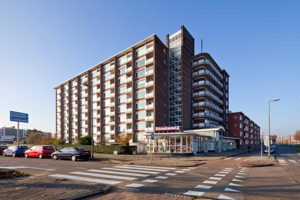 Woongebouw De Grens / Housing Block De Grens ( W.H. Spruyt, G. den Butter )