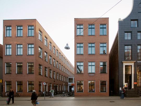 Bibliotheek  Groningen / Library  Groningen ( G. Grassi )