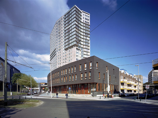 Woongebouw Queen of the South / Housing Block Queen of the South ( C.A.M. Reijers )