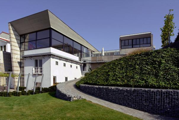 Woonhuis met praktijk Berg aan de Maas / Private House and practice Berg aan de Maas ( R. van Wylick (Dirrix & Van Wylick) )