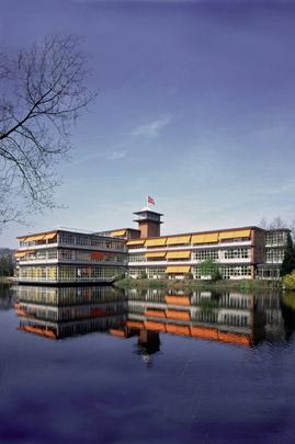 Lyceum Buitenveldert / Secondary School Buitenveldert ( M.F. Duintjer )
