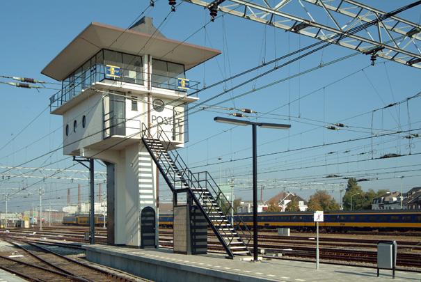 Seinhuis Maastricht / Signal Box Maastricht ( S. van Ravesteyn )
