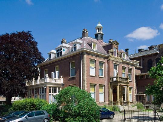 Woonhuis Oud Walenburg / Private House Oud Walenburg ( Ed. Cuypers )