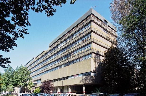 Faculteit Civiele Techniek TU Delft / Faculty Civil Engineering TU Delft ( Van den Broek & Bakema )