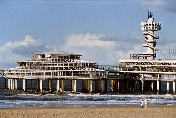 Wandelpier / Pier ( D.J. Dijk, H.A. Maaskant, D.C. Apon )
