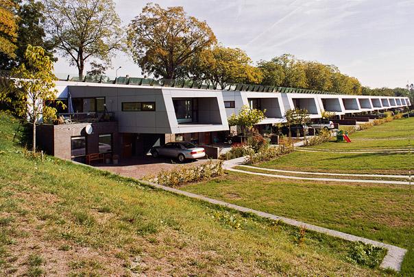 Geluidswalwoningen Hilversum / Noise Barrier Homes Hilversum ( VHP )