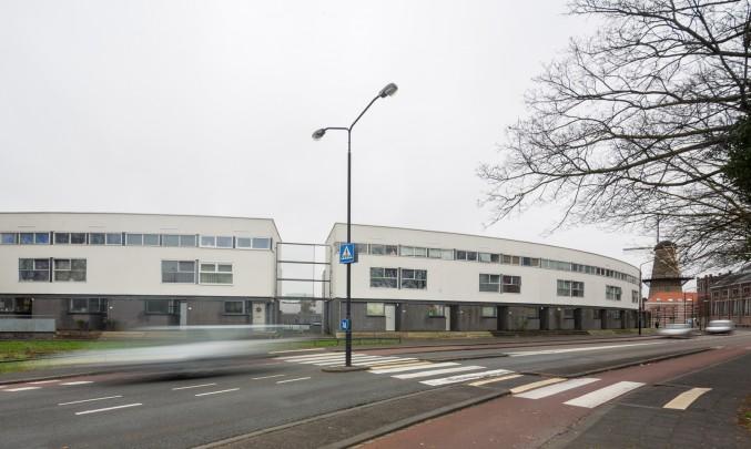 Woningbouw Merwesteijn-Noord / Housing Merwesteijn-Noord ( H. Hertzberger )