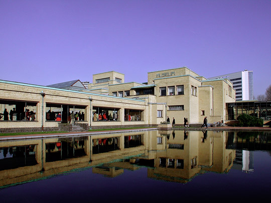 Gemeentemuseum Den Haag / Municipal Museum The Hague ( H.P. Berlage, E.E. Strasser )