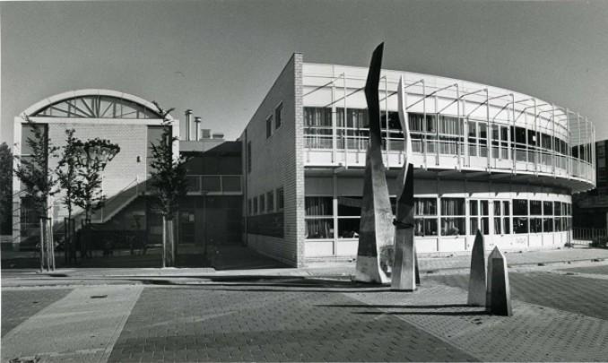Basisschool, Buurthuis Crooswijk / School, Neighbourhood Centre Crooswijk ( Van den Broek & Bakema )