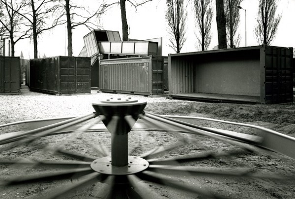 Speeltuin Heyplaat / Playground Heyplaat ( E.A.J. Venhoeven, A. Mik, Riverine Students )