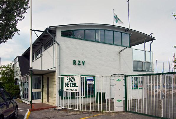 Clubgebouw Rotterdamsche Zeilvereeniging / Clubhouse Rotterdamsche Zeilvereeniging ( W. van Tijen )