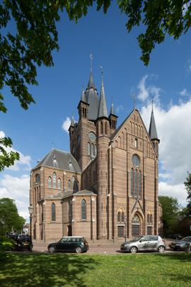 RK kerk Sint Petrus' Banden Oisterwijk / Roman Catholic Church Oisterwijk ( P.J.H. Cuypers )