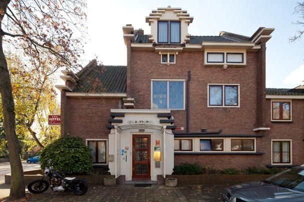 Woonhuis Beekman (Hotel Juliana) / Private House Beekman (Hotel Juliana) ( M.P.J.H. Klijnen )