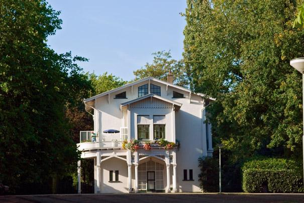 Oranjerie, Stal en Koetshuis Het Park / Orangery, Stable and Coach House Het Park ( J.F. Metzelaar )
