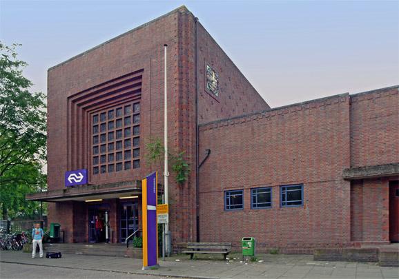 Station Naarden-Bussum / Station Naarden-Bussum ( H.G.J. Schelling )