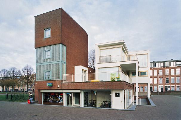 Pleinbebouwing Schilderswijk / Redevelopment of Square Schilderswijk ( A.J.M. Siza Vieira )