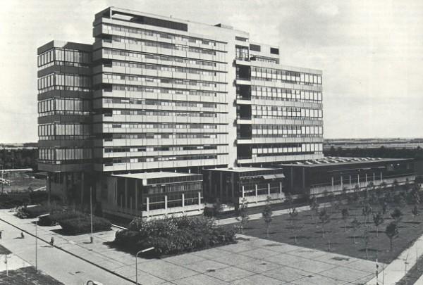 Faculteit Bouwkunde TU Delft / Faculty Architecture TU Delft ( Van den Broek & Bakema )