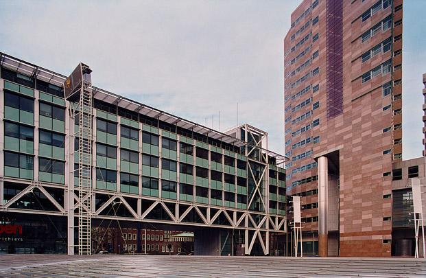Kantoorgebouw Grotiusplaats / Office Building Grotiusplaats ( J. Busquets )