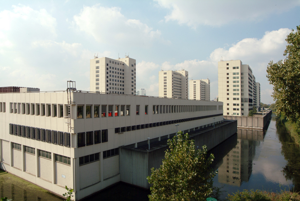 Penitentiair Centrum Over-Amstel (Bijlmerbajes) / Prison Complex Over-Amstel ( J.W.H.C. Pot, J.F. Pot-Keegstra )