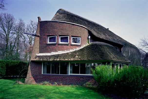 Woonhuis De Bark (Park Meerwijk) / Private House De Bark (Park Meerwijk) ( J.F. Staal )