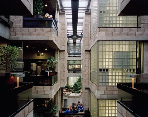 Kantoorgebouw Centraal Beheer / Office Building Centraal Beheer ( H. Hertzberger )