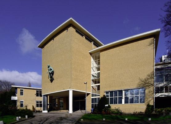 AVRO-Studio's / Broadcasting Studios AVRO ( B. Merkelbach/B. Merkelbach, Ch. Karsten, A. Bodon )