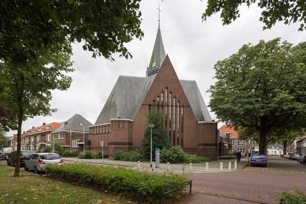 Gereformeerde kerk Bergen op Zoom / Reformed Church Bergen op Zoom ( B.T. Boeyinga )