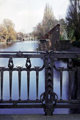 Brug en Boothuis Olympiaplein / Bridge and Boathouse Olympiaplein ( P.L. Kramer )