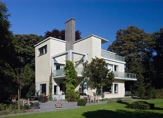 Woonhuis Leembruggen / Private House Leembruggen ( J.W.E. Buijs, J.B. Lürsen )