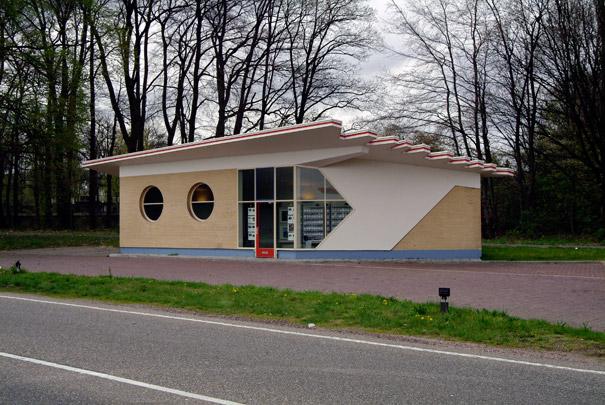 Benzinestation Arnhem (Purfina) / Petrol Station Arnhem (Purfina) ( S. van Ravesteyn )