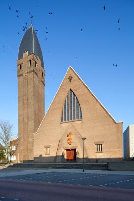 RK kerk van het Heilig Hart van Jezus Schiedam / Roman Catholic Church Schiedam (Heilig Hart van Jezus) ( J.M. Groenewegen )