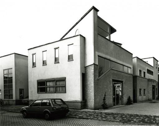 Drie praktijkwoningen / Three Professional Offices ( H.H.L.M. Dirrix (Dirrix & Van Wylick) )