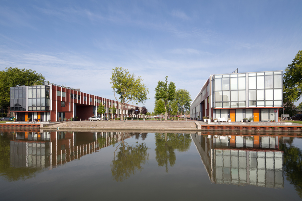 Woningbouw Groenhof / Housing Groenhof ( R.H.M. Uytenhaak )