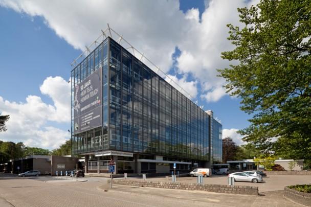 Bestuursgebouw TU Twente / Main Building TU Twente ( W. van Tijen )